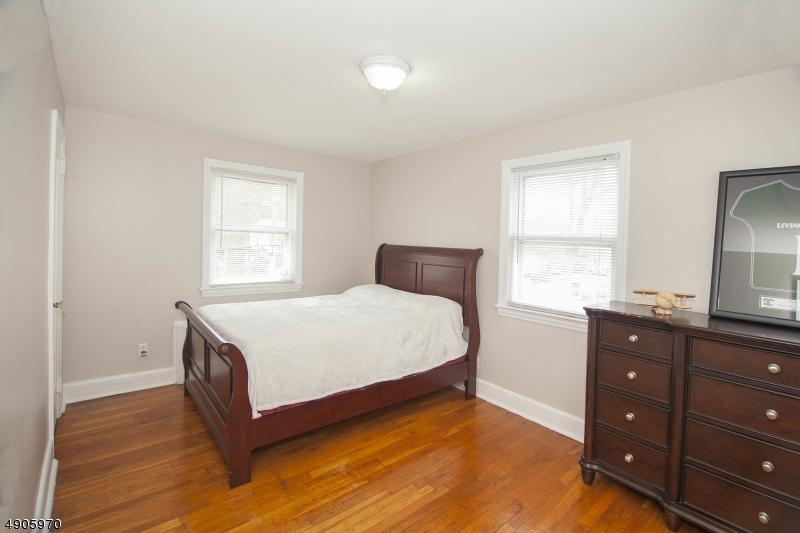 Hardwood Floors, 3 Windows, Closet