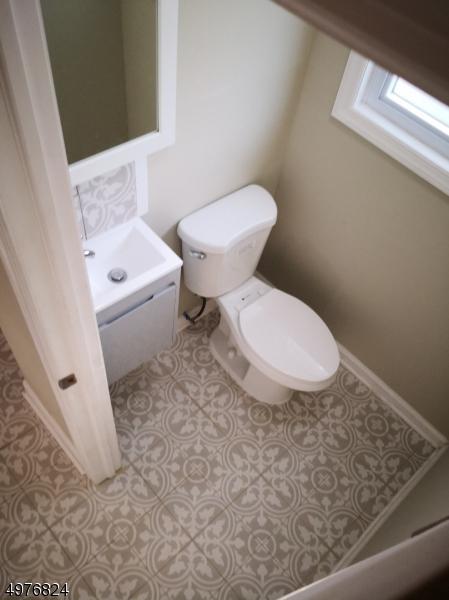 1/2 Bathroom 1st floor entrance.