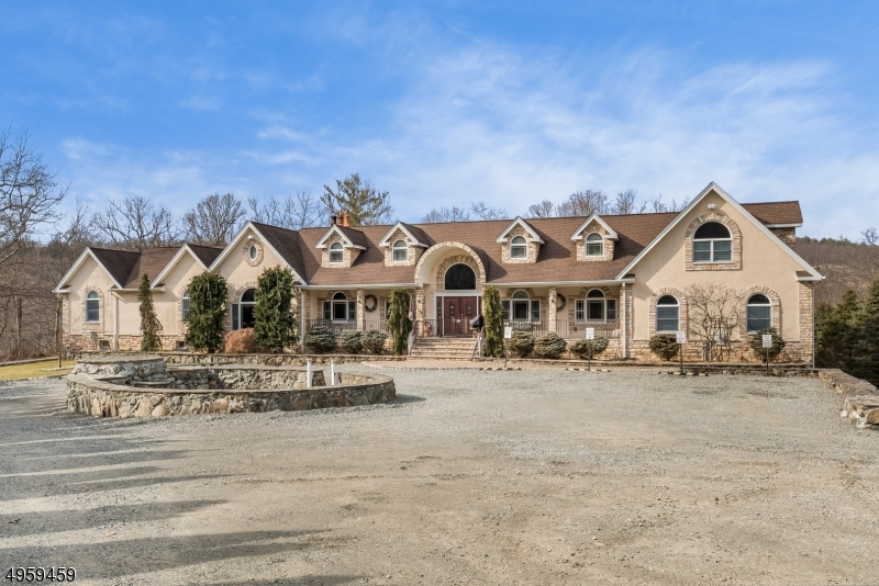 Situated on 2.8 acres of private property, take in the captivating views this Stonetown location offers!