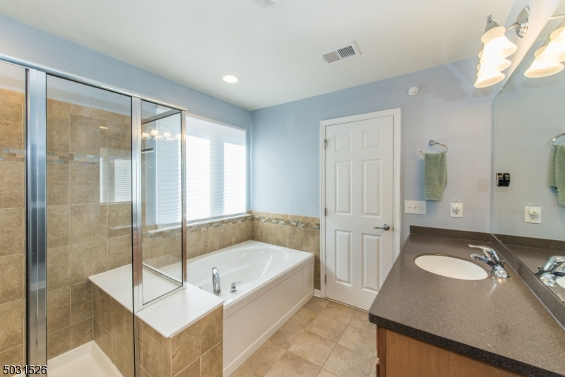 Large master bathroom with great storage