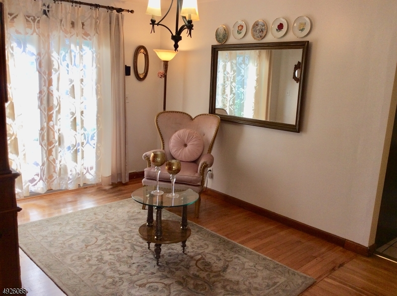 3rd room - optional formal dining room/family or guest room