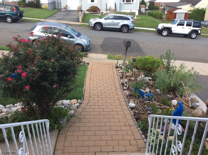 paver walkway to front entry