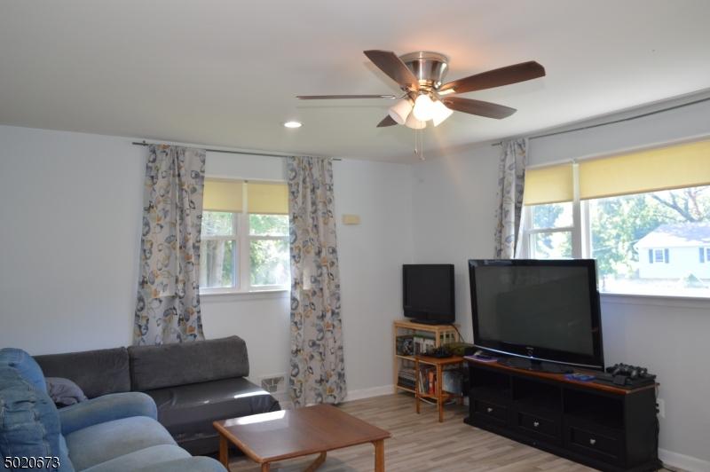 2nd Flr Family Room/Livingroom