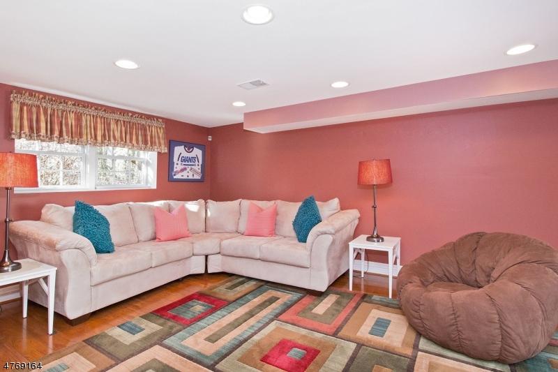 Real Estate FOR SALE - 85 Butler Pkwy, Summit, NJ 07901 - MLS® #3439293