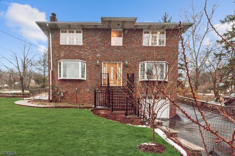 682 Totowa Rd Totowa Boro, NJ 07512 - MLS #: 3458400