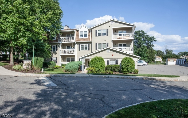 24 Heritage Dr Chatham Twp., NJ 07928 - MLS #: 3464100