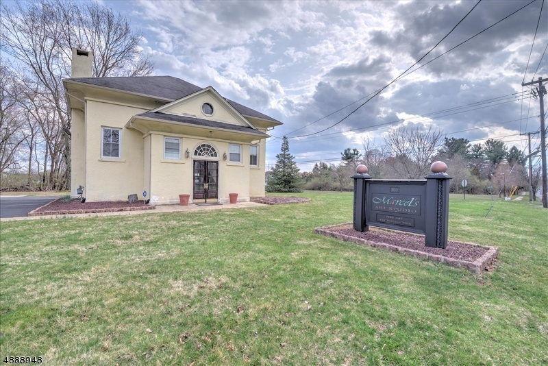 Photo of home for sale at 805 RIDGE RD, South Brunswick Twp. NJ
