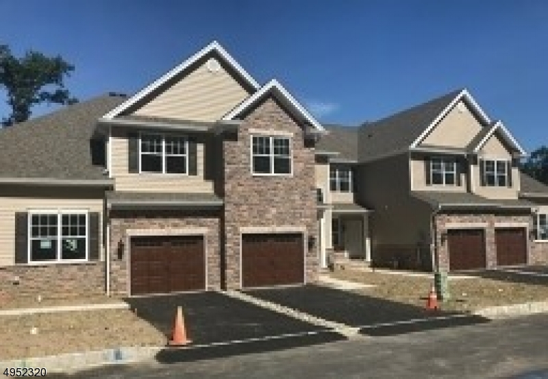 Photo of home for sale at 22 Watersedge Drive, Parsippany-Troy Hills Twp. NJ