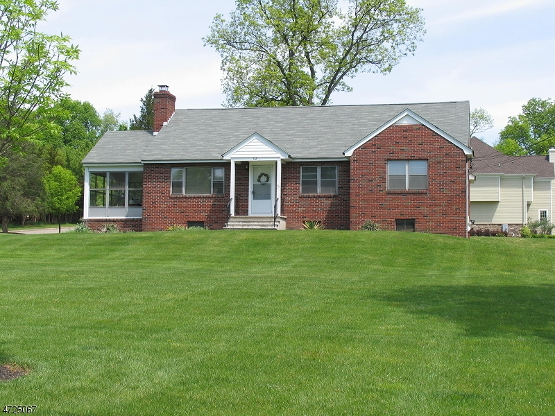 Photo of home for sale at 312 MILLER AVE, Branchburg Twp. NJ