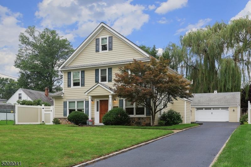 Photo of home for sale at 109 VIRGINIA ST, Westfield Town NJ