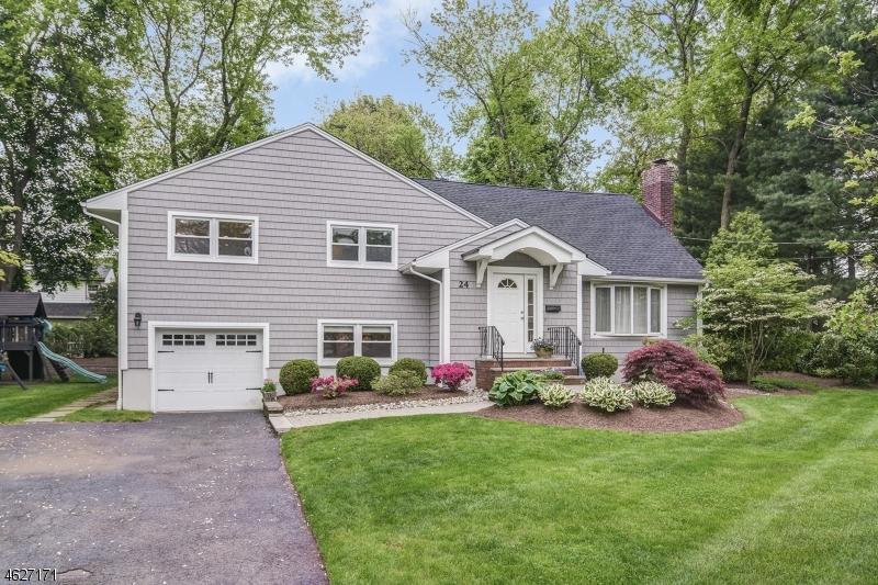 Property for sale at 24 Diamond Ct, Glen Rock Borough,  NJ 07452