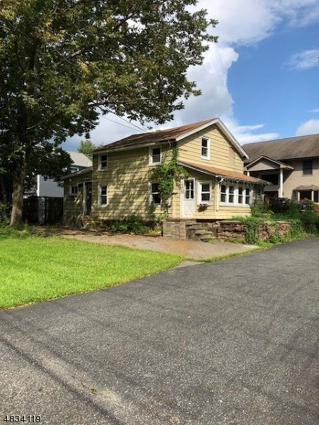 Photo of home for sale at 646 WARWICK TPKE, West Milford Twp. NJ
