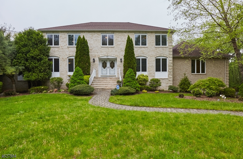 Property for sale at 97 Helen Ct, Franklin Lakes Borough,  NJ 07417