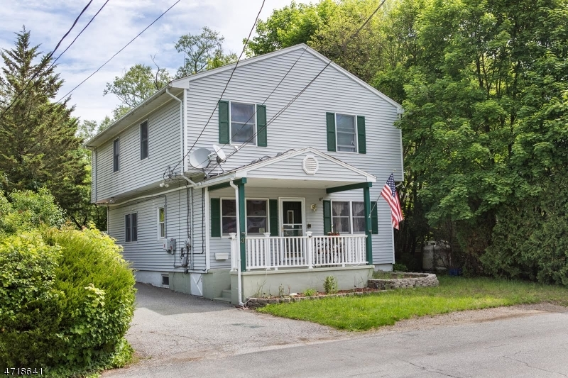 Photo of home for sale at 31 Bridge St, Ogdensburg Boro NJ