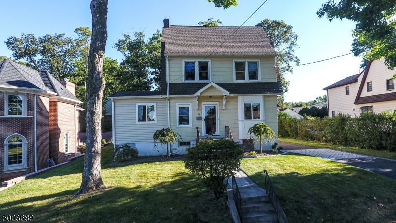 Photo of home for sale at 41 JOHN STREET, Englewood Cliffs Boro NJ