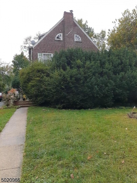 Photo of home for sale at 921 W STATE ST, Trenton City NJ