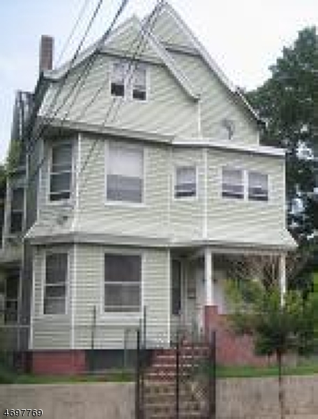 Photo of home for sale at 253 GOVERNOR ST, Paterson City NJ