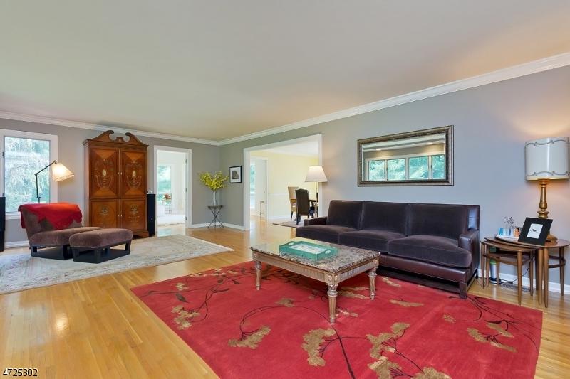 18 Parsonage Lot Rd Tewksbury Twp., NJ 08833 - MLS #: 3398403