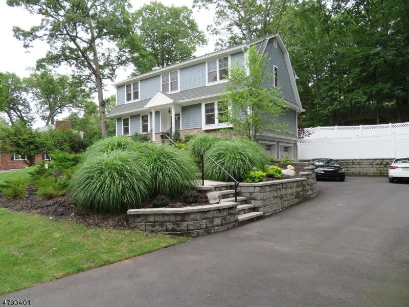 3 Robinwood Dr Little Falls Twp., NJ 07424 - MLS #: 3403203