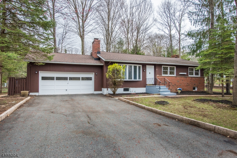 Photo of home for sale at 2 VALLEYFIELD RD, Andover Twp. NJ