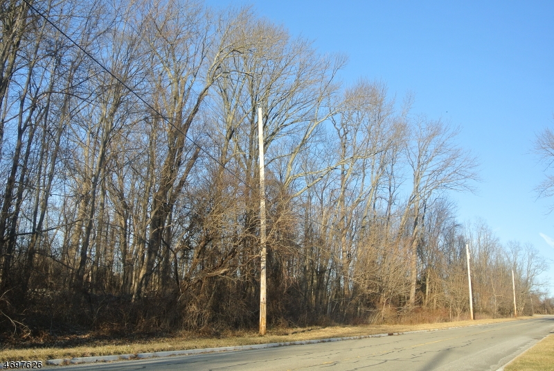 Photo of home for sale at 124 State Park Rd, Frelinghuysen Twp. NJ