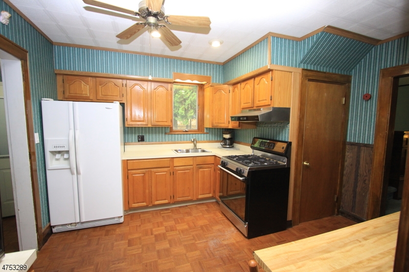 566 Darlington Ave Ramsey Boro, NJ 07446 - MLS #: 3424504