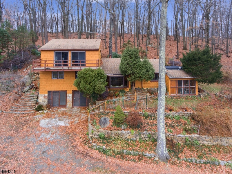 Photo of home for sale at 5 WILDWOOD RD, Tewksbury Twp. NJ