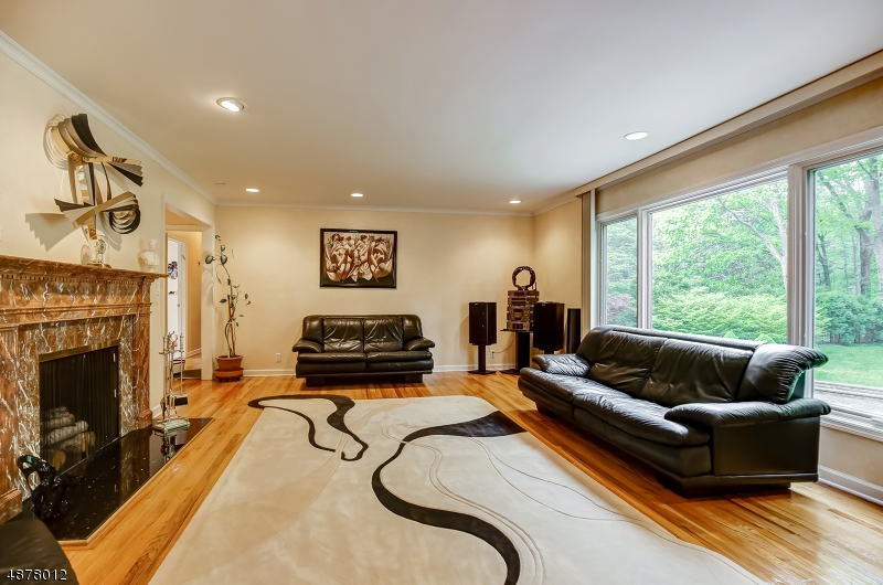 Photo of home for sale at 36 THACKERAY DR, Millburn Twp. NJ