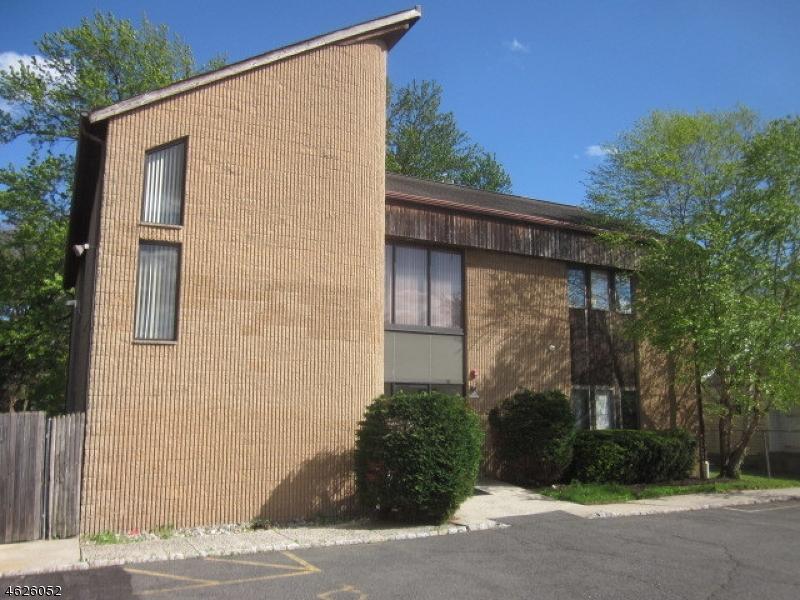Photo of home for sale at 1119 Raritan Rd, Clark Twp. NJ