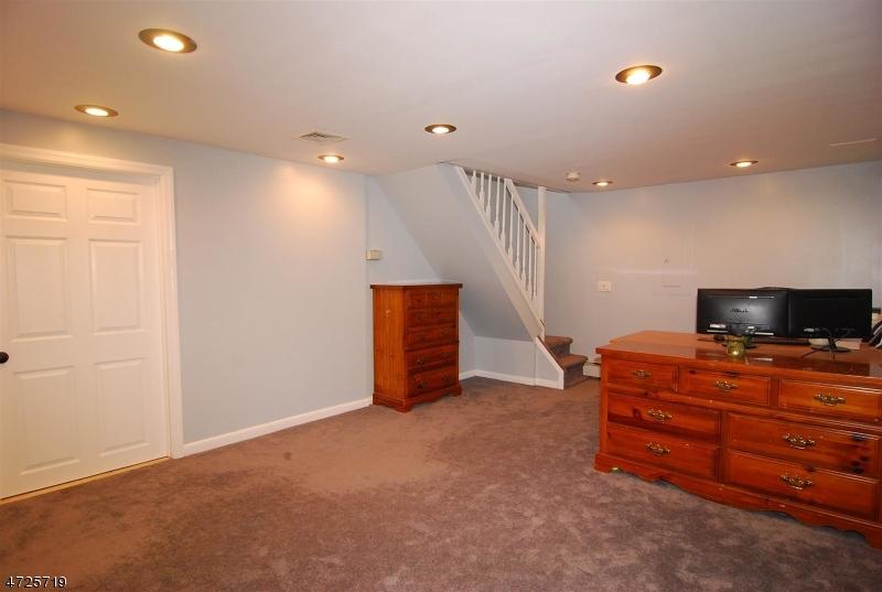 604 Dorothy Ln Mount Arlington Boro, NJ 07850 - MLS #: 3398805
