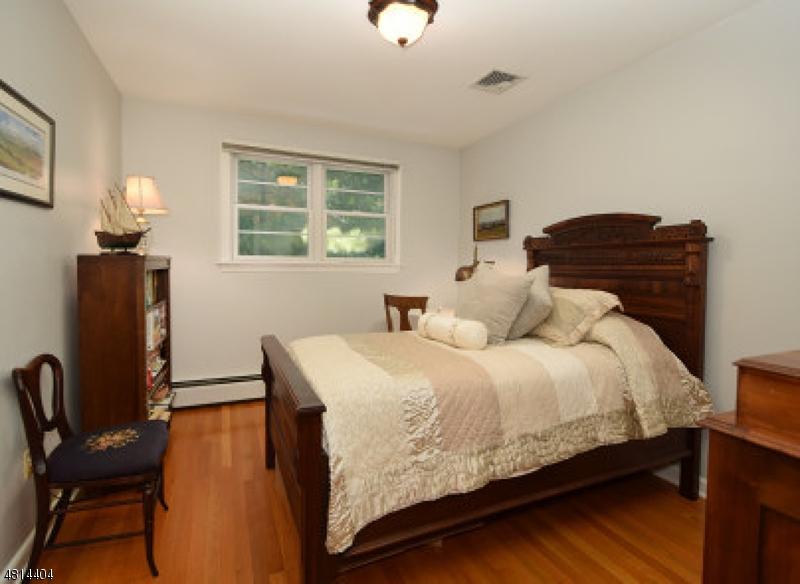 621 VERMONT ST Westfield Town, NJ 07090 - MLS #: 3480305