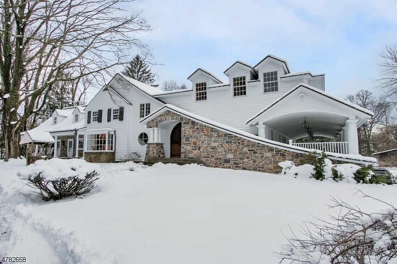 Photo of home for sale at 54 Pleasant Ave, Upper Saddle River Boro NJ
