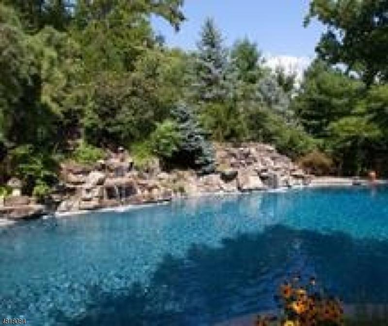 108 FAWN HILL RD Upper Saddle River Boro, NJ 07458 - MLS #: 3483706