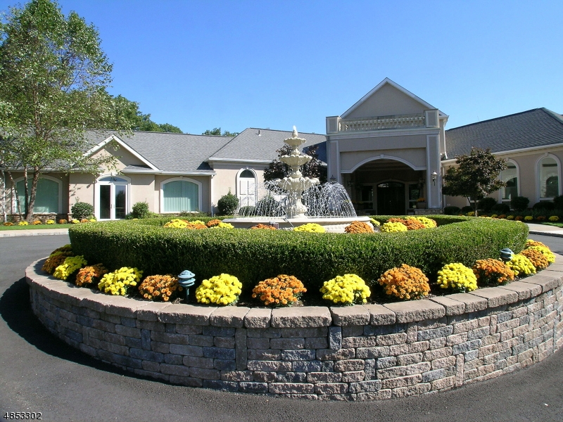 Photo of home for sale at 1123 HAMILTON DR, Rockaway Twp. NJ
