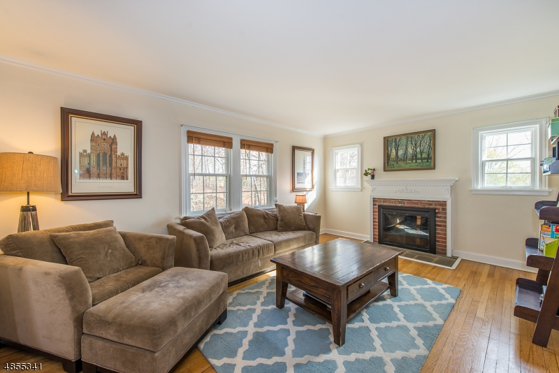Photo of home for sale at 277 HILLSIDE AVE, Chatham Boro NJ