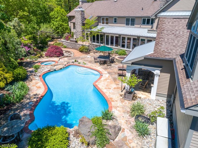 Photo of home for sale at 143 MILLER RD, Kinnelon Boro NJ