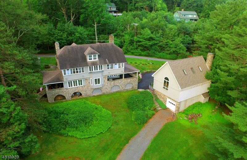 Photo of home for sale at 664 Griscom Rd, Pennsylvania PA