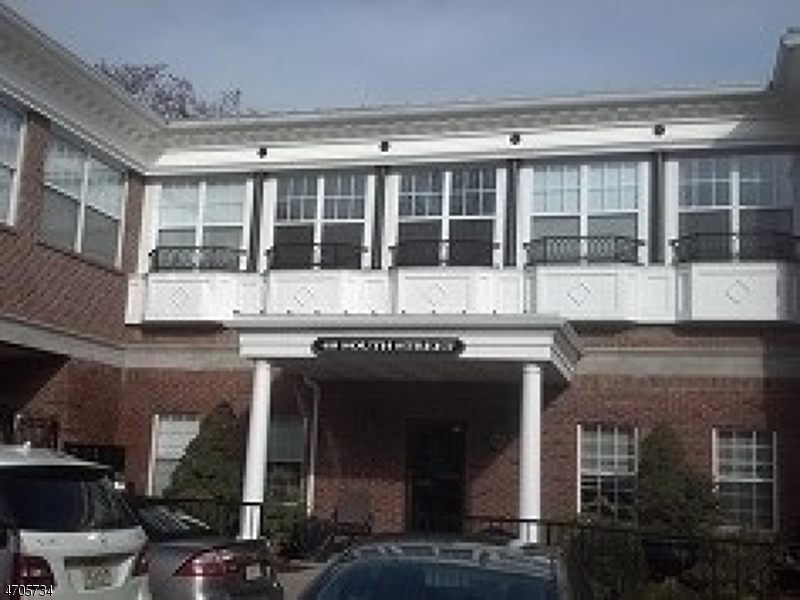 Photo of home for sale at 48 SOUTH ST 3, Morristown Town NJ