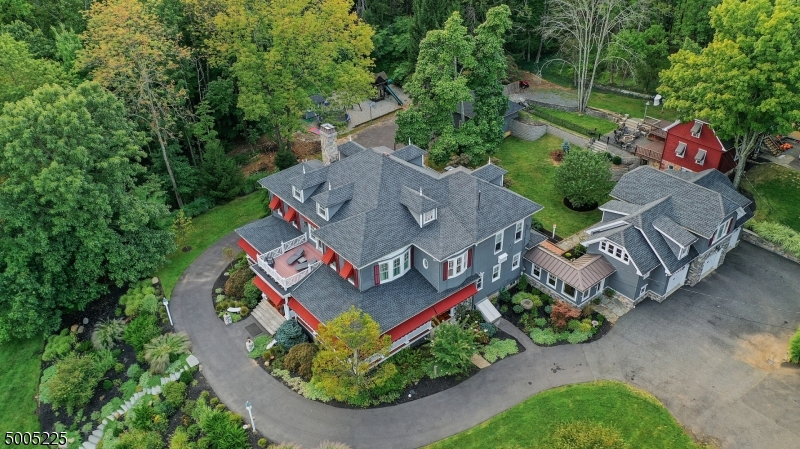 Photo of home for sale at 601 VALLEY ROAD, Watchung Boro NJ