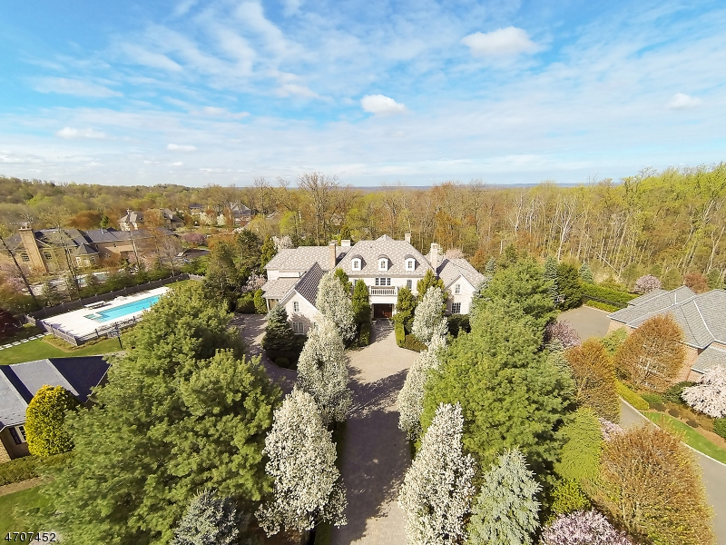16 Grasmere Ct, Livingston Township, NJ 07039
