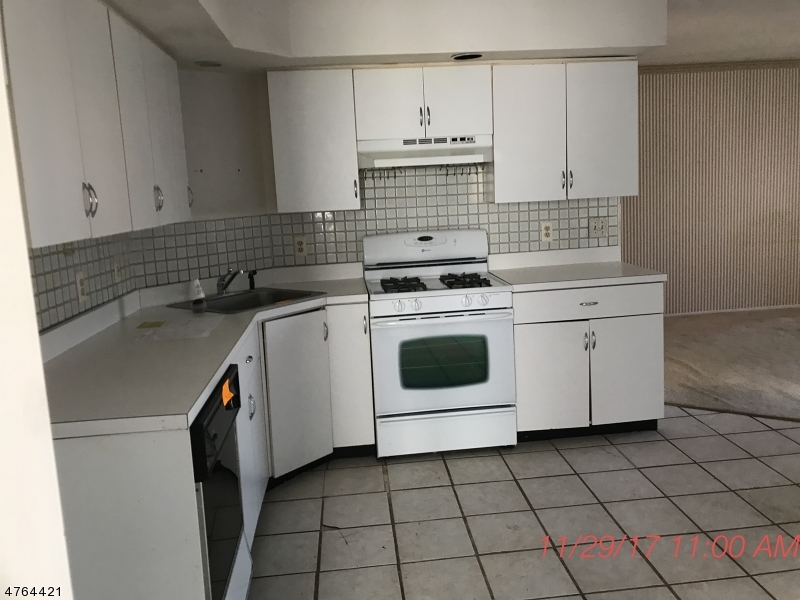 63 Edinborough Ct Washington Twp., NJ 07840 - MLS #: 3434707