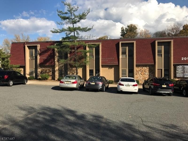 Photo of home for sale at 201 S LIVINGSTON AVE, Livingston Twp. NJ