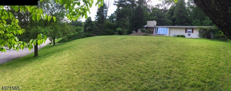 Photo of home for sale at 5 SUNRISE WAY, Montville Twp. NJ