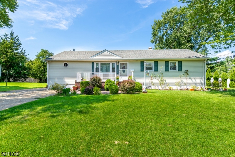 Photo of home for sale at 500 GARIBALDI AVE, South Plainfield Boro NJ