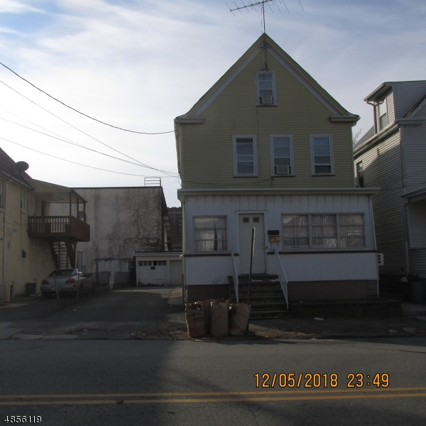 Photo of home for sale at 82 MURRAY AVE, Paterson City NJ