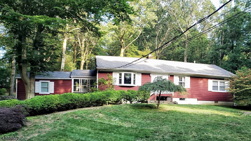Photo of home for sale at 214 NORTH RD, Chester Twp. NJ