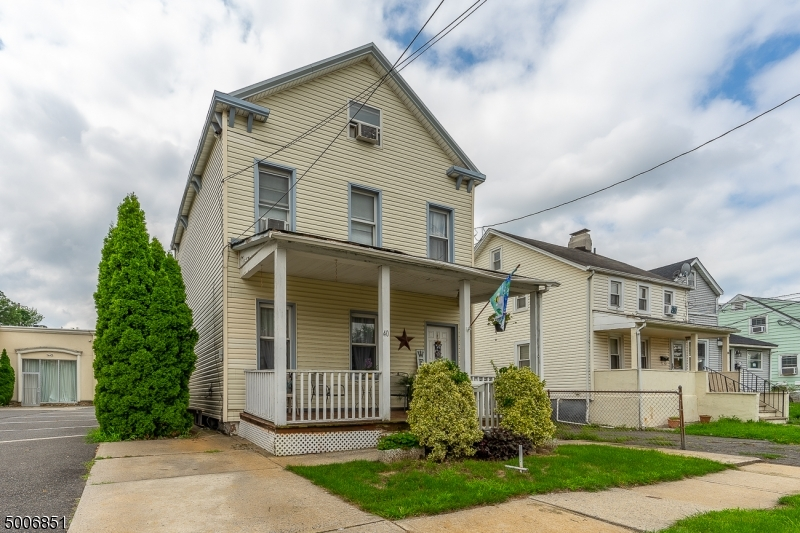 Photo of home for sale at 40 W INMAN AVE, Rahway City NJ