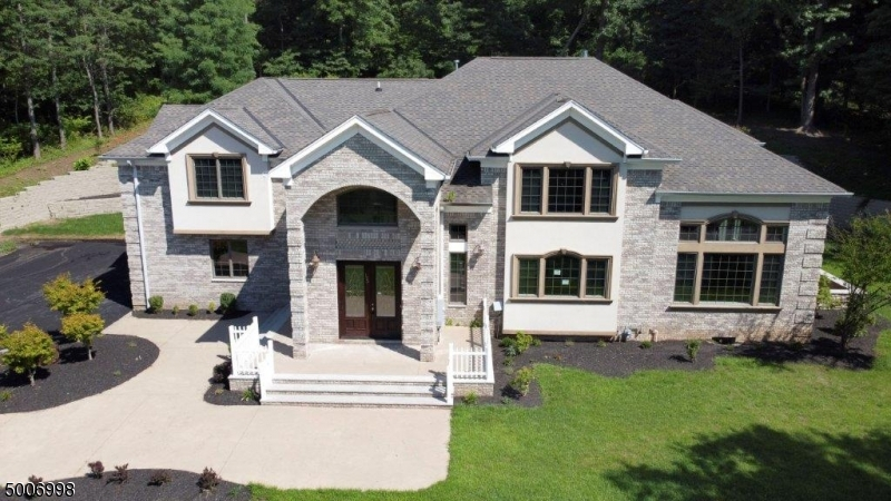 Photo of home for sale at 125 MOUNTAIN AVE, Long Hill Twp.