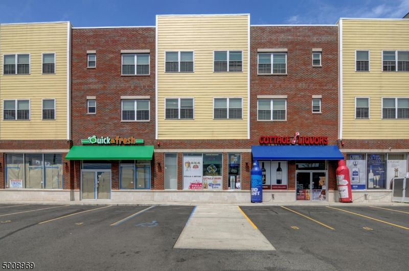 Photo of home for sale at 25 COTTAGE ST, Newark City NJ