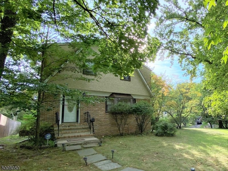 Photo of home for sale at 700 RAVINE RD, Plainfield City